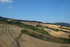 Widok od Torriana średniowiecznego fortecy, Włochy zdjęcia stock