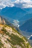 Widok od Trzy szczytów Jeziorny Auronzo zdjęcie stock