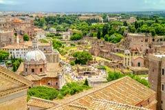 Widok od Vittoriano pałac na Roma ćwiartce Fotografia Royalty Free