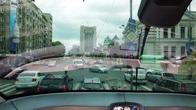 Widok od wycieczki autobusowej Bucharest ruch drogowy, Rumunia zbiory wideo