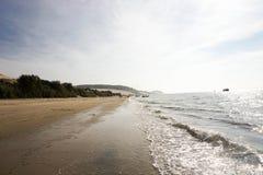Widok od wysokiej diuny z błękitnym morzem - diuna Pyla Pilat, Zdjęcia Stock