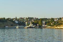 Widok od zatoki na promu molu i mieszkaniowy rozwój w północnej części miasto Fotografia Royalty Free