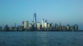 Widok Odbija położenia słońce przez hudson od Wekslowego miejsca w Dżersejowym mieście W centrum Manhattan, NJ Fotografia Stock