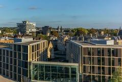 Widok Oksfordzki nowy i stary klasyczny budynek na ciepłym słonecznym dniu fotografia stock