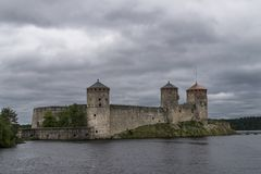 Widok Olavinlinna kasztel, Savonlinna, Finlandia Zdjęcie Royalty Free