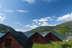 Olden fjord z budami Zdjęcie Royalty Free