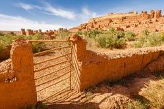 Widok oliwna oaza pod Ait Ben Haddou fortecą Fotografia Stock