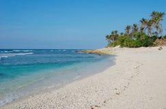Widok Ong Lang plaża z drzewkami palmowymi w Quy Nhon, Wietnam Zdjęcia Stock