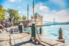 Widok Ortakoy meczet i Bosphorus most Obrazy Royalty Free