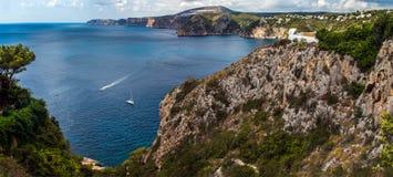 Widok otwiera od falez morze śródziemnomorskie Obrazy Royalty Free