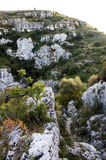 Widok północny necropolis w Pantalica, Sicily - Zdjęcia Royalty Free