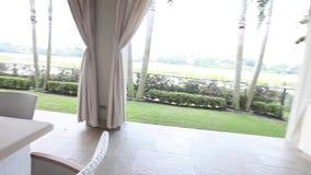 Widok pływacki basen z wewnątrz luksusowego australijczyka domu Dolly strzał zdjęcie wideo