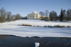 Widok pałac Rosyjski cesarz Pavel Pierwszy w Luty dniu Pavlovsk Rosja zdjęcie stock