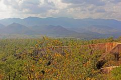 Widok Pai jar w Tajlandia na góry tle fotografia royalty free