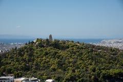 Widok Philopappos zabytek i wzgórze zdjęcia royalty free