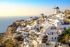 Widok piękna wioska Oia z białkującym i kolorowym h Obrazy Royalty Free
