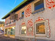 Widok piękni wzory na fasadzie dom w Garmi Obraz Stock