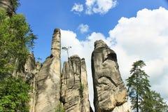 Widok piaskowcowi filary Teplice-Adrspach skały miasteczko Skalisty miasteczko w Adrspach - Krajowy rezerwat przyrody w republika fotografia stock
