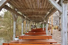 Widok plenerowa kawiarnia w parku Fotografia Stock