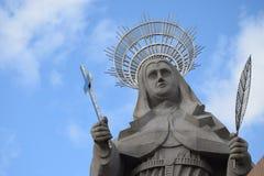 WIDOK podwórze wielka Katolicka statua w świacie statua święty R Santa CRUZ BRAZYLIA, Wrzesień - 25, 2017 - fotografia royalty free