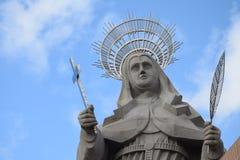 WIDOK podwórze wielka Katolicka statua w świacie statua święty R Santa CRUZ BRAZYLIA, Wrzesień - 25, 2017 - obrazy royalty free