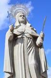 WIDOK podwórze wielka Katolicka statua w świacie statua święty R Santa CRUZ BRAZYLIA, Wrzesień - 25, 2017 - zdjęcie stock