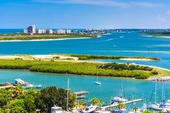 Widok Ponce wpust i Nowy Smyrna Wyrzucać na brzeg od Ponce de Leon Inle Obraz Stock