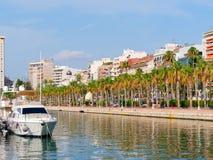 Widok port i deptak w Alicante Alacant, Hiszpania Zdjęcie Royalty Free