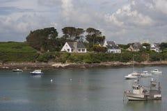 Widok port w miasteczku Le Conquet (Francja) zdjęcia royalty free