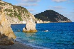 Widok Portoferraio, Włochy koszt od Sansone plaży - Obraz Stock