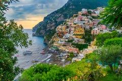 Widok Positano przy zmierzchem obrazy royalty free