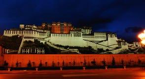 widok potala noc pałacu Obrazy Royalty Free