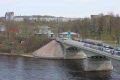 Widok przejście graniczne punktu i most nad Narva rzeką Ivangorod Obrazy Stock