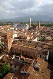 Widok przez dachy Lucca w Tuscany Fotografia Royalty Free