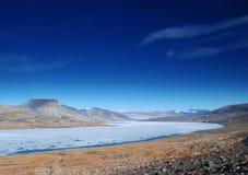 Widok Przez Ekblaw jezioro wschód Obrazy Stock