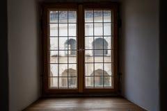 Widok przez grodowego okno Obraz Royalty Free