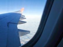 Widok przez okno samolot Zdjęcie Stock