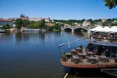 Widok przez rzekę, Praga zdjęcie royalty free