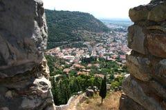 Widok przez wojownik batalistycznej pozyci w średniowiecznym fortecy 2 obrazy stock