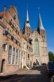 Widok przy Bergkerk, Romańszczyzna kościół Zdjęcie Stock