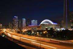 Widok przy Gardiner autostradą w Toronto Zdjęcia Royalty Free