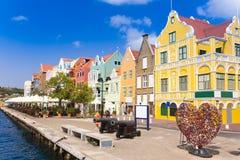 Widok przy pantoon śródmieściem w Willemstad i mostem, Curacao obrazy stock