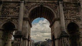 Widok przy Romańskim forum - Septimius Severus łuk zdjęcie royalty free