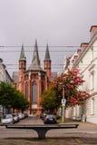 Widok przy St Pauls kościół w Schwerin, Niemcy przy chmurzącym dniem obrazy stock