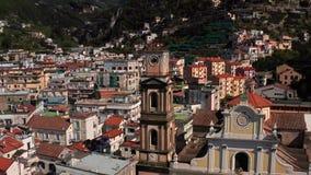 Widok przy starym miasteczkiem Minori w Włochy zbiory wideo