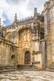 Widok przy Wejściowym Wrotnym klasztorem Chrystus kasztel w Tomar, Portugalia Zdjęcie Stock