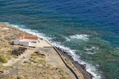 Widok Punta Llana, wyspy kanaryjskie dokąd jest przy losem angeles Gomera Ermita De Nuestra señora de Guadalupe, obraz stock