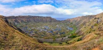 Widok Ran Kau wulkanu krater na Wielkanocnej wyspie, Chile Fotografia Stock
