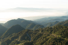 Widok ranków wzgórza przy Doi Ang Khang i mgła Obraz Royalty Free