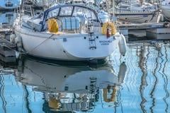 Widok rekreacyjne i intymne łodzie w Leca da Palmeira marina obraz stock